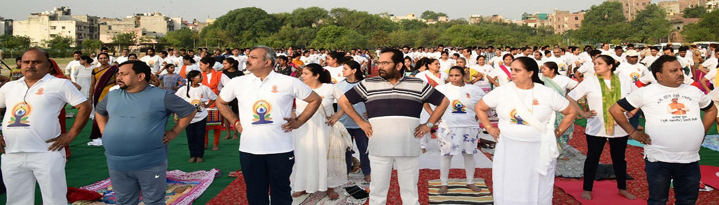 The Union Minister for Minority Affairs, Shri Mukhtar Abbas Naqvi performing Yoga, on the occasion of the 5th International Day of Yoga 2019, at Ramjas Sports Complex Ground, West Patel Nagar, Delhi on June 21, 2019.