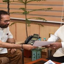 Met Himachal Pradesh Assembly Speaker Shri B B L Butail at Antyodaya Bhawan in New Delhi today and discussed paperless E-Vidhan System