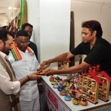 Dated: 25.09.2017, I along with Puducherry Chief Minister Shri V Narayanasamy inaugurated Hunar Haat, being organised by Minority Affairs Ministry at Puducherry.