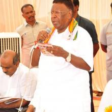 Today, I along with Puducherry Chief Minister Shri V Narayanasamy inaugurated Hunar Haat, being organised by Minority Affairs Ministry at Puducherry.